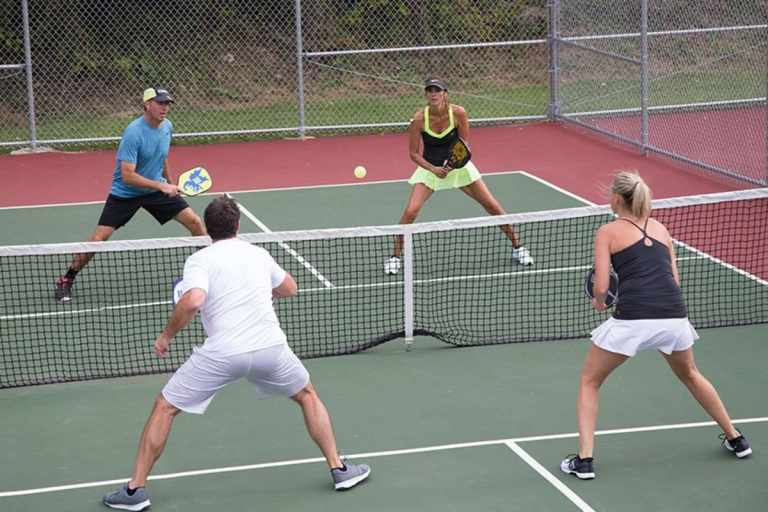 How to Play Pickleball: A Guide for Beginners